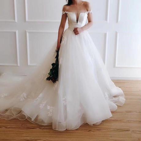 優雅のホワイト、ウェディングドレス    ドレスワンピース結婚式、発表会、演奏会、パ―ティ