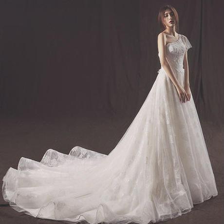 ウエディングドレス*ワンショルダー*ボタニカルレース       ドレスワンピース結婚式、発表会、演奏会、パ―ティ