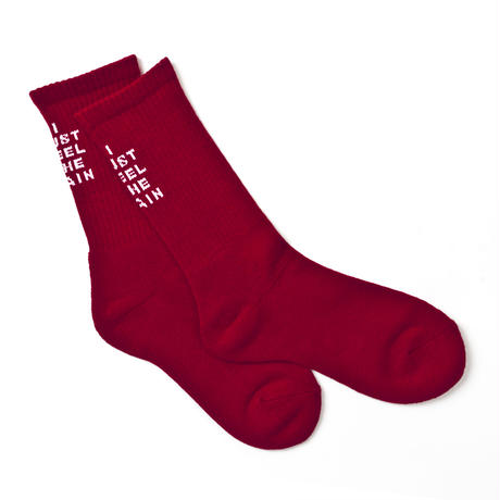 """I JUST FEEL THE PAIN"" SOCKS [RED]"