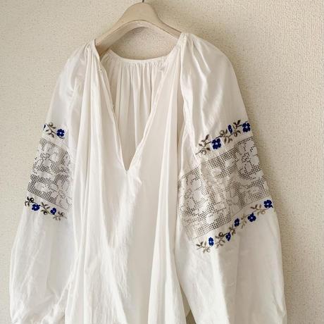 【VINTAGE/ANTIQUE 】cotton blue   embroidery dress E