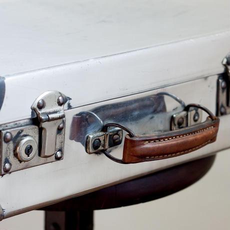 アンティーク・アルミ製トランク