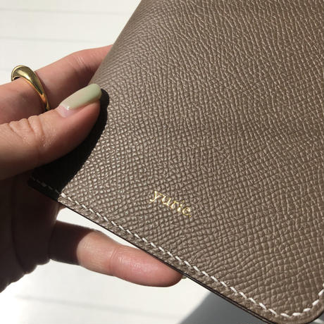 【8月17日発送予定】Veau Epsom leather passport case