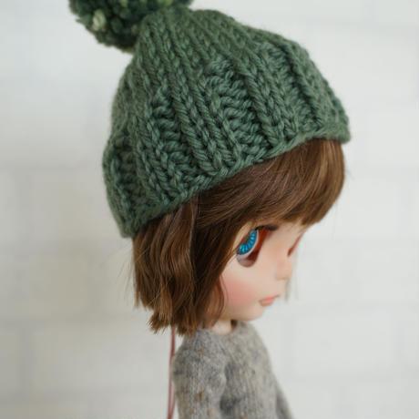 手編みのニット帽 D