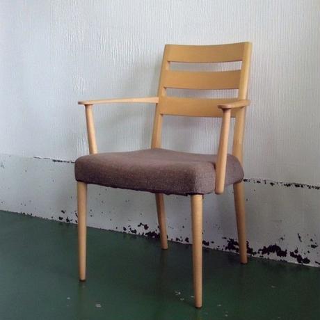 【展示品】カリモク家具 肘付食堂椅子 CT61モデル