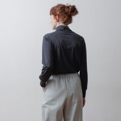 CLO203: off-turtle pullover