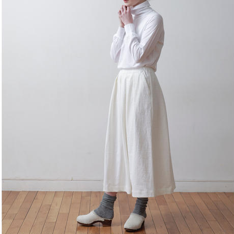 CLO : 217 tucked easy skirt
