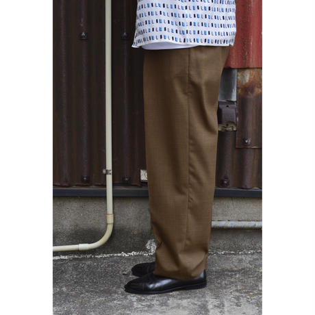 ORGANIC WOOL TROPICAL CLASSIC FIT TROUSERS / KHAKI