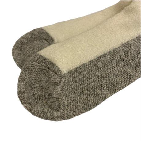 VERY VELOUR SOCKS <white/gray> 【Rototo】
