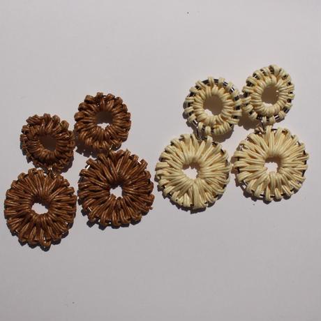 2連 circle rattan pierce #white beige