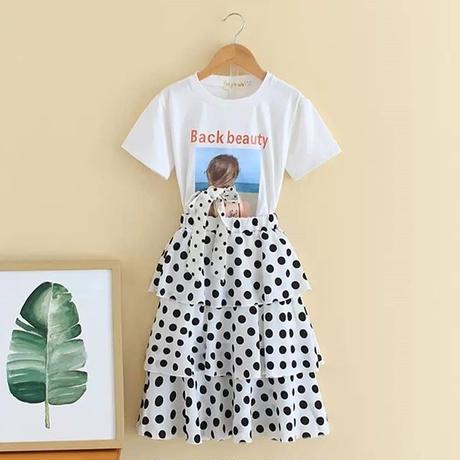 Tシャツ&ドットスカート