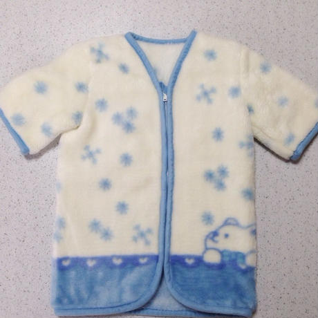 西松屋 袖付き毛布