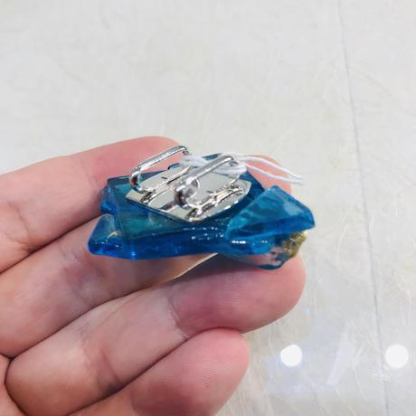 東風杏・ガラスの帯留「shine aqua」