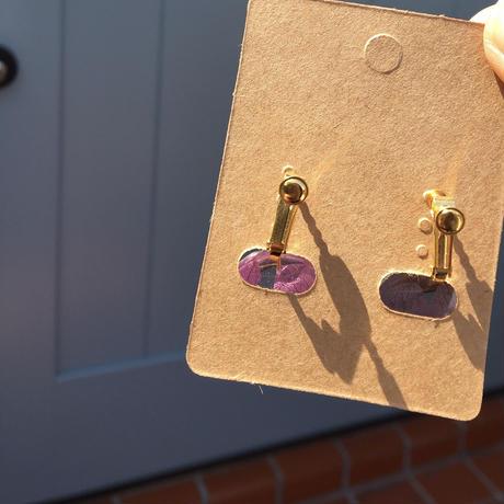 上品な紫色の揺れるあじさいイヤリング