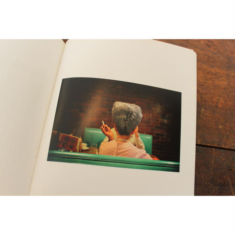 FROM BLACK AND WHITE TO COLOR / WILLIAM EGGLESTON