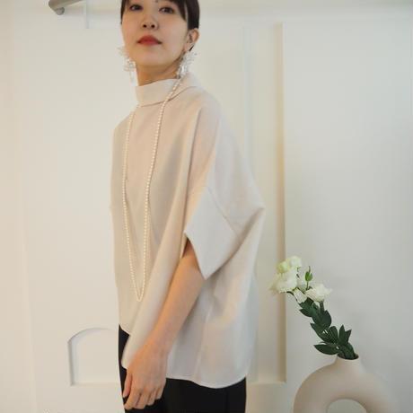 back drape blouse L.BEIGE