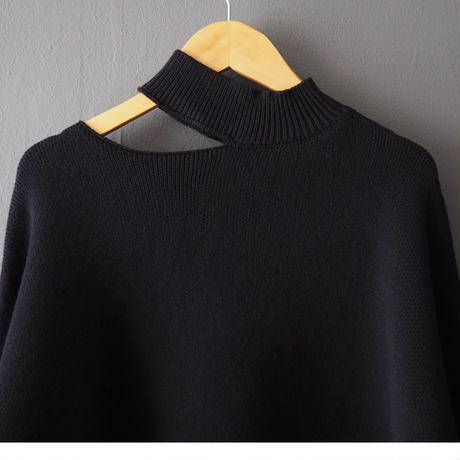 再入荷cut out big sweater BLACK