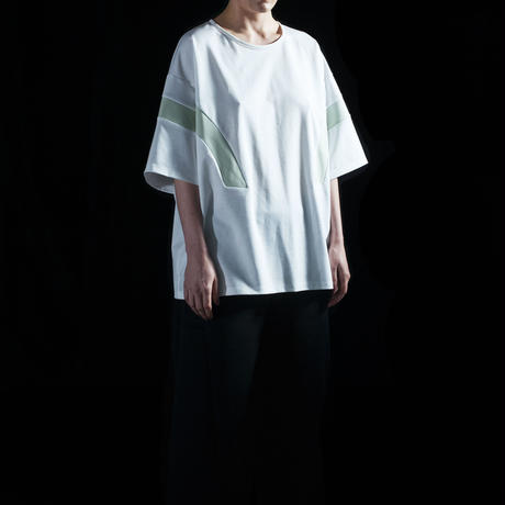 Floating Line T-shirt (white×Pale Green)