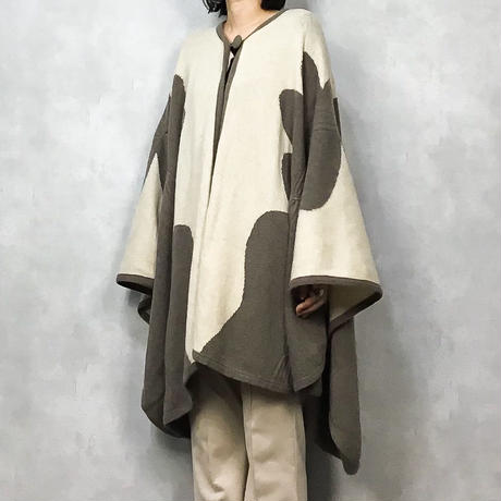 MADE IN ITALY big  wool poncho-769-12