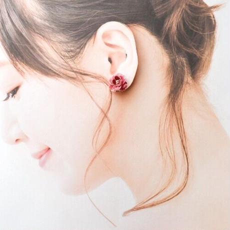 カーネーションイヤリング -赤03