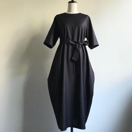くらしのドレス・ハマスホイ「プラム」