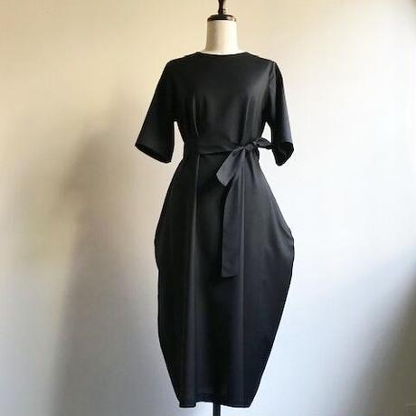 くらしのドレス・ハマスホイ「ノワール」
