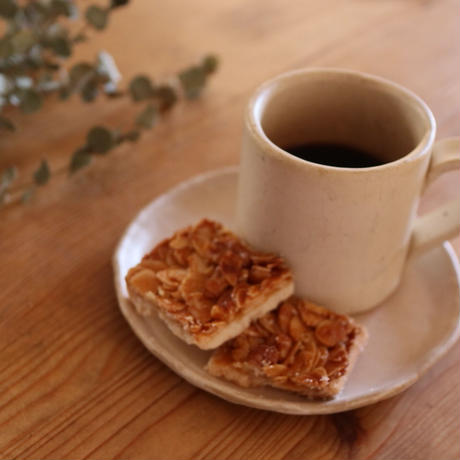 こまちカフェの珈琲とフロランタンのセット