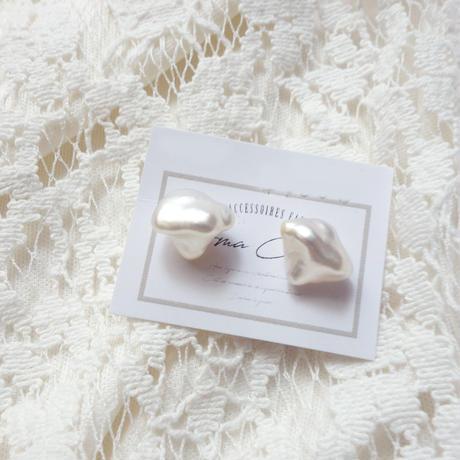 白蝶真珠ケシパールのピアス