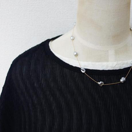 K18 黒蝶真珠 KESHIパール ステーションネックレス