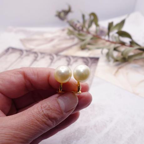 南洋白蝶真珠 ゴールデンパール 一粒イヤリング