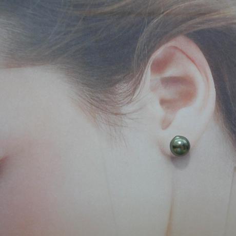 K10 南洋黒蝶真珠 タヒチアンパール 一粒ピアス