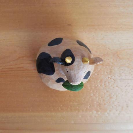 公庄直樹 うしかがみトップ/H6×W6×D6cm/トチ、着彩 (木彫)