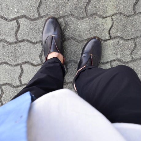 【今季は新作をご用意!】CABOCLO カボクロ リベット付きレザースリッポン ブラック