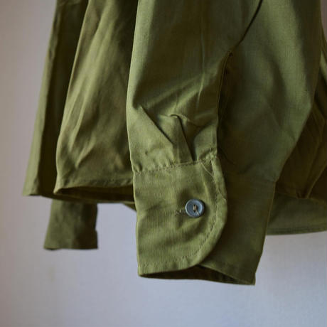 【身幅50サイズ追加!】 MILITARY DEAD STOCK  ルーマニア軍 肩ボタンクルーネック シャツT オリーブ【オリーブのスリーピングシャツ!】