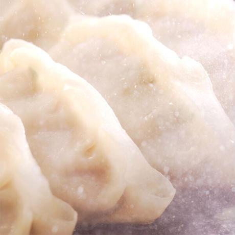 [送料込]<ギフト可>海老餃子と特製生餃子(各50個・特製タレ付き)セット【チャオチャオ】