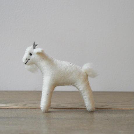 daladala. / モンゴルの羊毛 ヤギさん