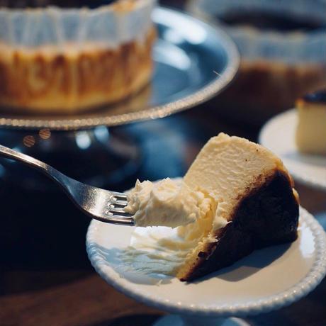 バスクチーズケーキ12cm(4-5名様)