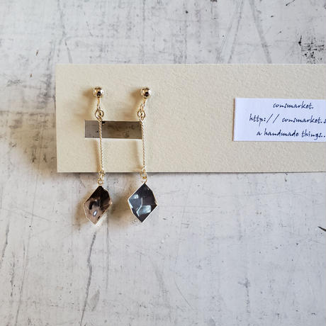 kakera  dark. earrings.