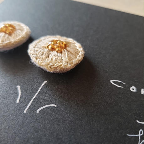 earrings  刺繍  beige