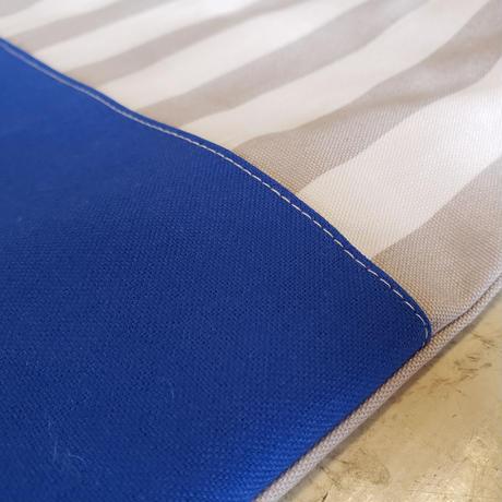 tesage  blue.