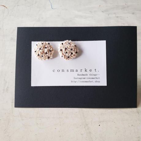 earrings 刺繍 ベージュdot
