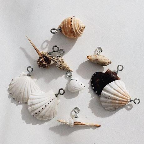 DONADONA Original shell ornament / mint green