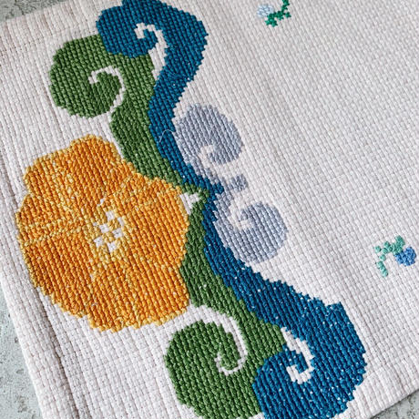 Embroidered place mat