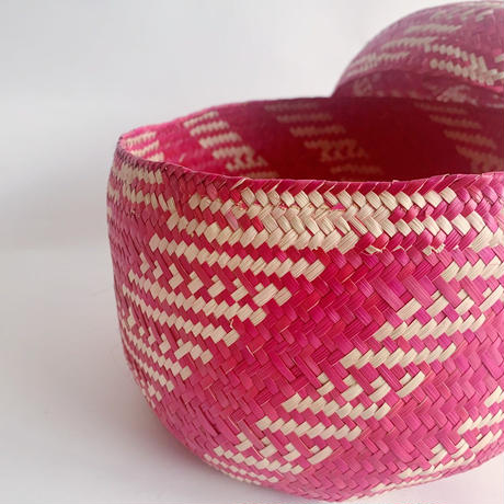 Mexican straw basket / pink