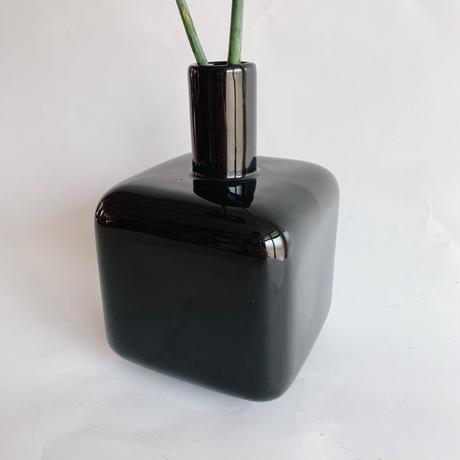 Black square flower vase