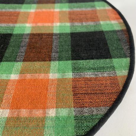 Plaid & straw lunch mats