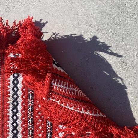 VTG Embroidered place fringe mat