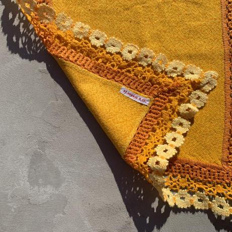 VTG Embroidered place mat / Orange