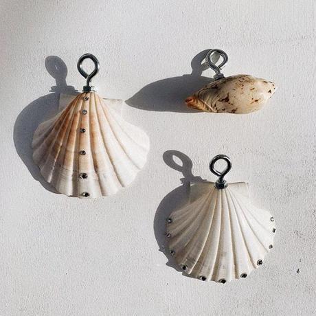 Beige Shell Shaped Ceramic Napkin Holder