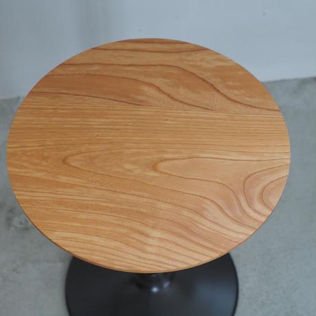 欅のサイドテーブル b