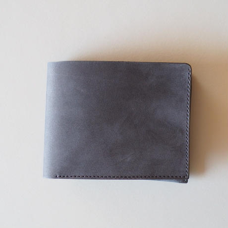 二つ折り財布| 収める納まる
